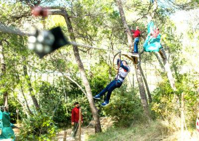 De la tyrolienne au saut de Tarzan, profitez de nombreuses activités en plein air